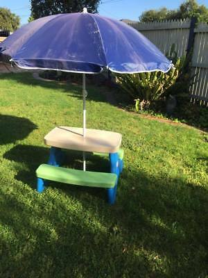 LITTLE TIKES OUTDOOR TABLE SETTING (With Umbrella)
