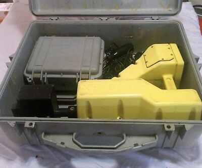 Xetron Pipe and Cable Locator Receiver and Transmitter