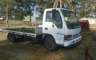 Isuzu 1996 NPR 200 table top truck. Car Licence!