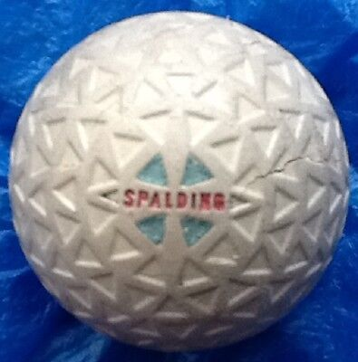 STUNNING ORIGINAL PAINT SPALDING  TRIANGLE  MESH GOLF BALL c1934