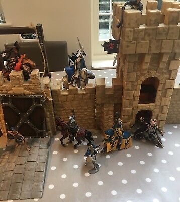schleich Completed Castle With  knights