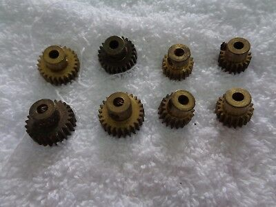 4+4  vintage Meccano pinions. 25 & 19 teeth Parts 25 & 26a?