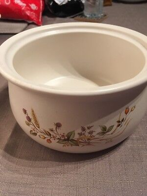M & S HARVEST Range Large Casserole Dish 7 1/2 Inches
