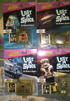 Lot 4 Johnny Lightning Lost In Space Space Pod Chariot B9 Jupiter Film Clip TV