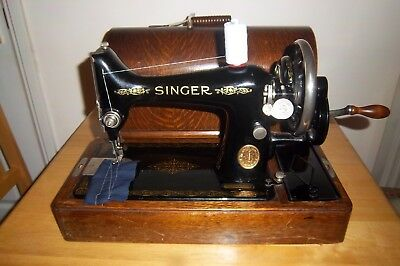 Vintage Singer 99 Hand Crank Sewing Machine  With Bow Top Case.