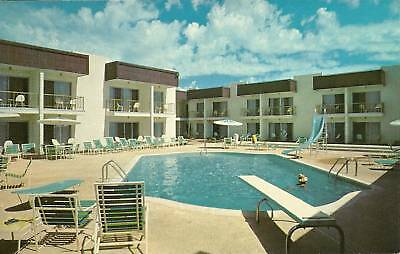 "Gallup NM ""The Pool, Royal Inn Motel & Restaurant"" Route 66 Postcard  New Mexico"