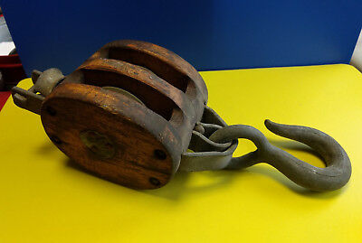 Old Vtg 4th Double Roller Bushed Wood Block & Tackle Pulley Rope Boating Farming