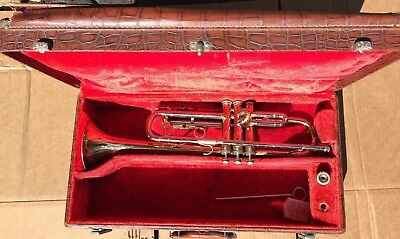 "Holton ""Al Hirt Special"" T500 Trumpet Horn with Case and Mouthpiece"