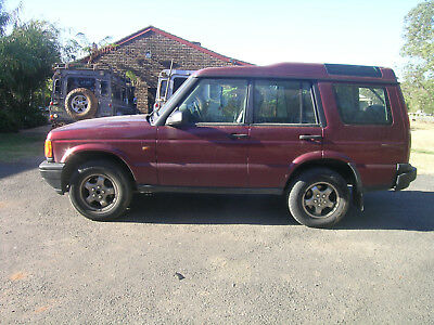 D2 Land Rover Discovery red code 696 all panels door quarters except tailgate