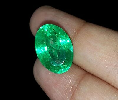 Oval Shape 9.67 Ct Marvelous Natural Certificate Colombian Emerald