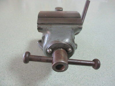 Leinen Swivel Bench vice   2 inch wide Jaw
