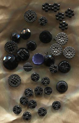 Antique Victorian Buttons Small Size Suitable Dolls , Jewellery , Crafts