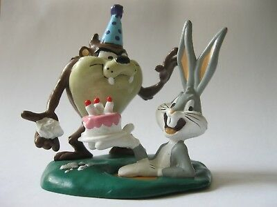 BUGS GIVING TAZ A BIRTHDAY CAKE stamped 1995 Applause DecoPac about 3 inch tall