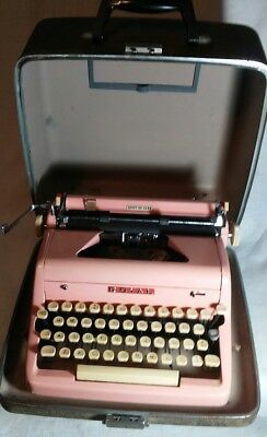 RARE 1955 Bubble Gum Pink ROYAL Quiet Deluxe Typewriter & Case Very Good