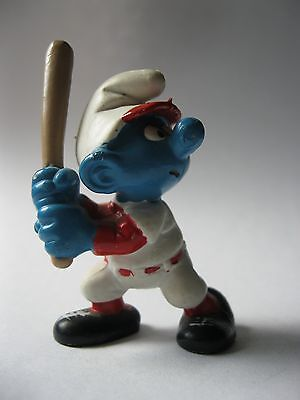 SMURF BASEBALL PLAYER stamped Schleich Peyo 1998 about 2.5 inches tall SMURFY