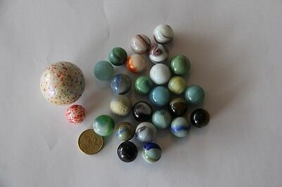 Vintage Toy - 26 Glass marbels - 2 with speckled surface 1.5cm - 3.5cm