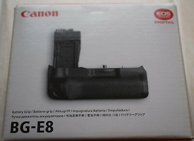 Genuine Canon BG-E8 Battery Grip boxed for 600D 550D 650D and 700D