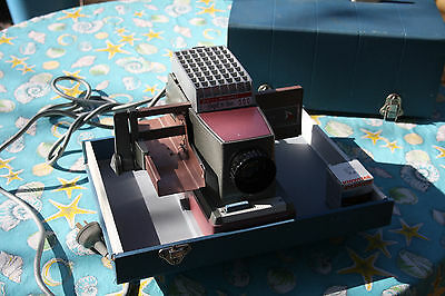 Bell & Howell 809 Project-or-View 500 Colour Slide Project in Box Spare Globe