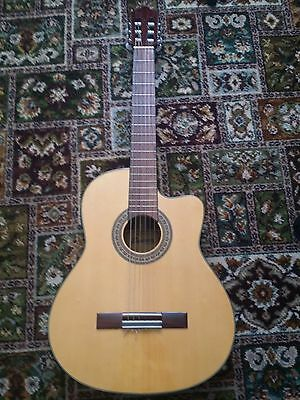 Semi Electric accoustic Cruiser Guitar by Crafter