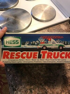 1994 Hess Rescue Truck New Mint In Box Lights Battery Powered