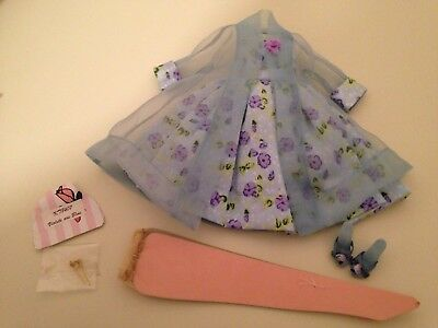 """Tonner's """"Violets Are Blue"""" Outfit For Tiny Kitty   New"""