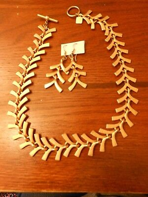 Gorgeous Anne Klein Golden Leaves Choker Necklace And Earrings Set