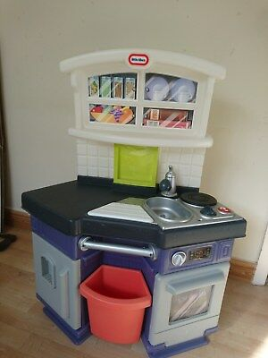 Little Tikes Side by Side Play Kitchen oven hob cupboard sink