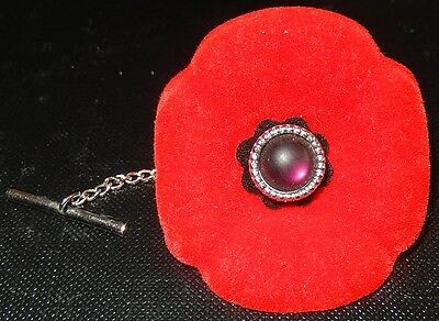 Tie Clip Red Felt Poppy With Red Plastic Center Memorial Remembrance Day Nov.11