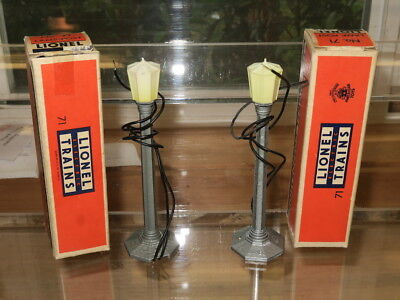 Lionel No. 71 Lamp Posts (2) - Postwar - Unused/ob - 1949-1959 - Free Ship