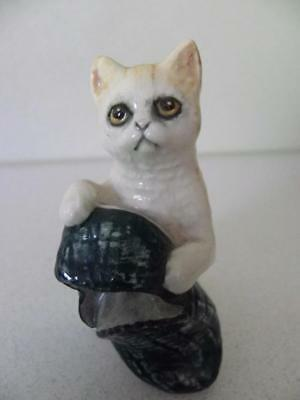 Royal Doulton Hand Painted Porcelain Cat with Slipper - England No16