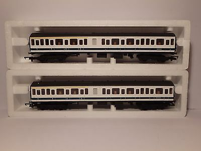Lima Carriages / Coaches – 2 x coaches - ref  205153W