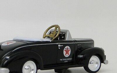 A 1930s Ford Pedal Car Vintage Classic Hot T Rod Show Midget Metal Model