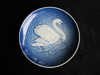 1976 Bing & Grondahl Mother's Day Plate