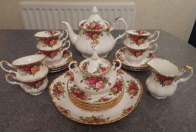Royal Albert Old Country Roses 22 pieces