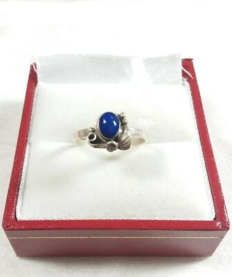 Navajo 925 Sterling Silver Etched Feathers Lapis Size 4 Dainty Ring