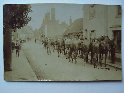 10 real photo - Horses lined up in High Street with soldiers - Faversham ?
