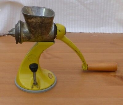 Vintage Spong 605 Mincer With 4 Discs And A Suction Base