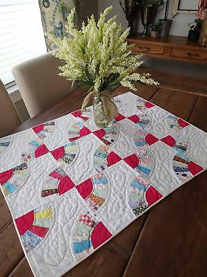 """Lots of Red! Vintage 50-60s Fan Doll Crib or Table Quilt 31 1/2"""" x 25"""""""