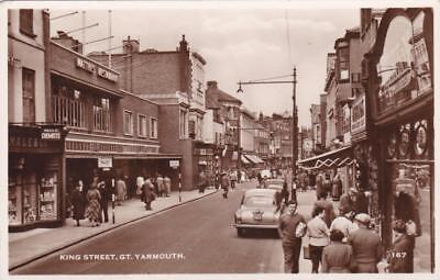 RP GREAT YARMOUTH KING STREET SHOPFRONTS STREET SCENE REAL PHOTO NORFOLK c1955