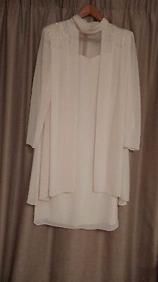 Mother of the Bride /Special Occasion dress Size 16 Elegant and simply stunning