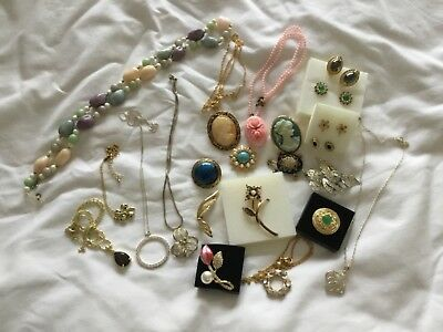 Job lot of Vintage & Modern Jewellery Brooches Earrings, Necklaces