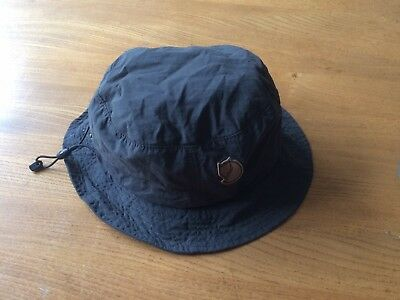 Fjallraven hiking camping travel hat with mosquito net large / medium.