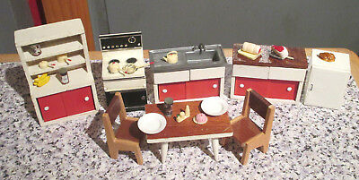 vintage* BARTON / CAROLINES HOME - DOLLS HOUSE RED KITCHEN  -16th / LUNDBY scale