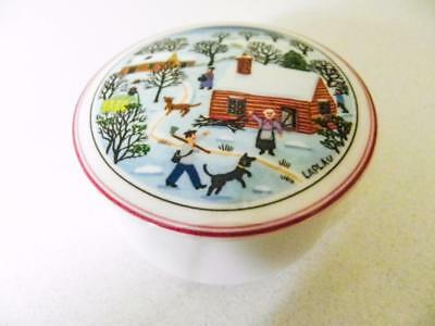 Beautiful Villeroy & Boch Germany - Hand Painted Lidded Round Box