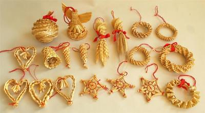 Swedish Xmas: Mixed lot with 19 handmade traditional straw items of diff. kinds