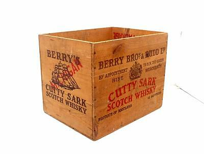 Vintage CUTTY SARK SCOTCH WHISKY Box HOLIDAY PACKAGE BERRY BROS & RUDD SCOTLAND
