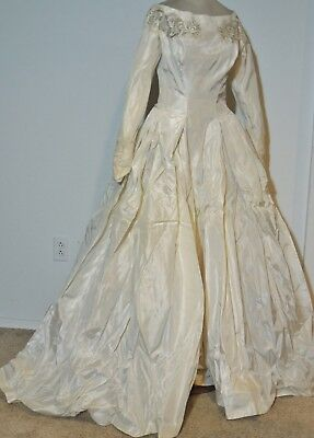 Murray Hamburger 1960's Wedding Gown w Lace / Veil SM