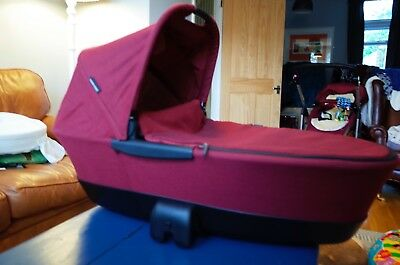 Maxi Cosi foldable carrycot in Robin Red colour, with extras