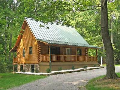 1200 sf Log Cabin/Log Home with spacious porch