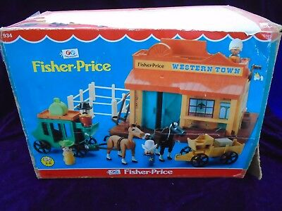 VINTAGE FISHER PRICE 1982 WESTERN TOWN WITH BOX & little people